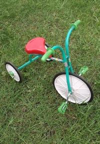 Как научить ребенка ездить на велосипеде. Малыш
