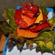 Поделки из осенних листьев своими руками. Как сделать розы из осенних листьев. роза в горшочке