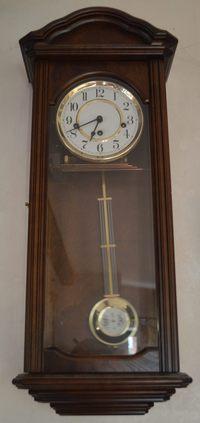 """стихотворение о времени """"Время"""". Часы"""