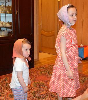 Чем заняться ребенку дома, когда скучно? Обойдёмся без телевизора! Лучше занять ребёнка делом! Детский креатив. Девочки в косыночках