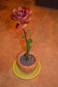 Роза из осенних листьев своими руками