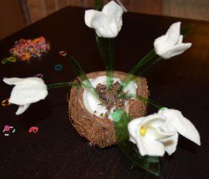Как сделать белый цветок? Поделки на весеннюю тему. Подснежники с проталиной