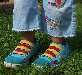 Стихи про ноги, лапы, клювы и удивительные открытия с ними связанные. «Новость дня». Ноги в кедах