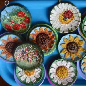 Интересные сувениры. Объёмные картины из папье-маше малые