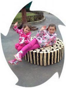 Игры на свежем воздухе с Мариной и Машей
